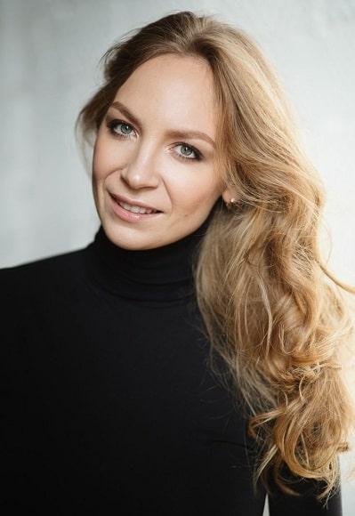 Александра Сухомлинова - HR-менеджер типографии Flyer-Online