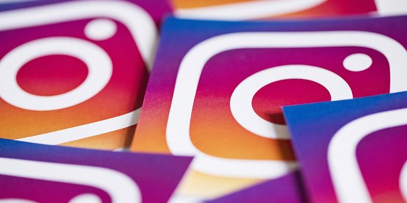 Как привлечь подписчиков в Инстаграм или группу Вконтакте с помощью полиграфии?